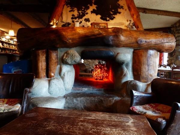 fireplace-182938_640