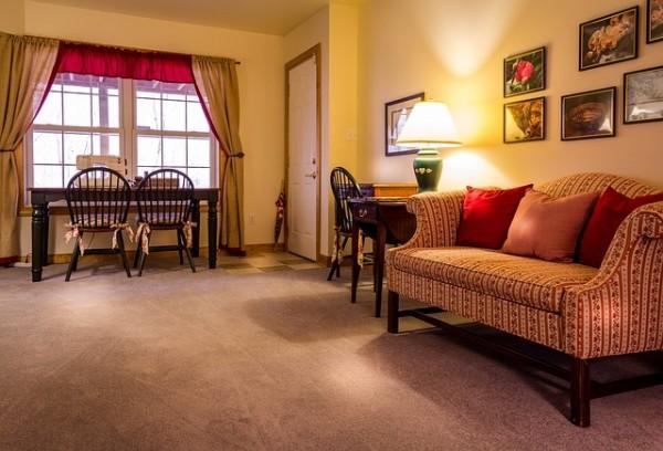 family-room-670281_640