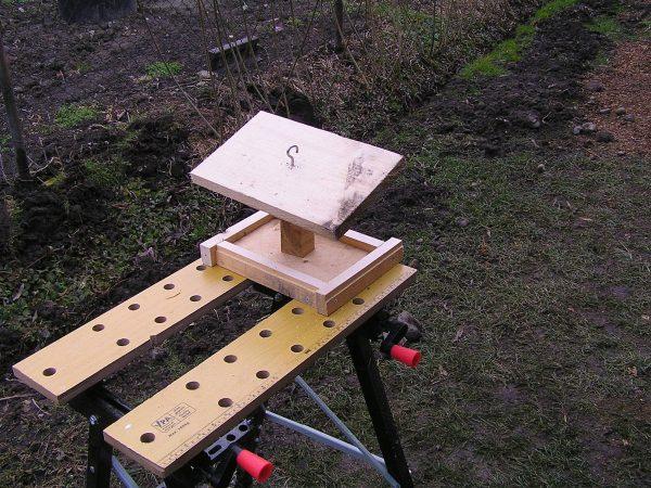 krmidlo pro ptáky