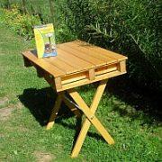 Malý přesazovací stoleček