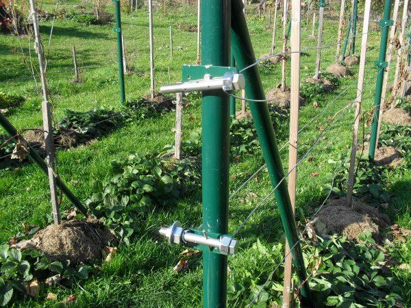 napínače drátu vinohradu