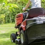 Jak vybrat zahradní traktůrek