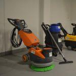 Strojové mytí podlah ušetří hodiny práce